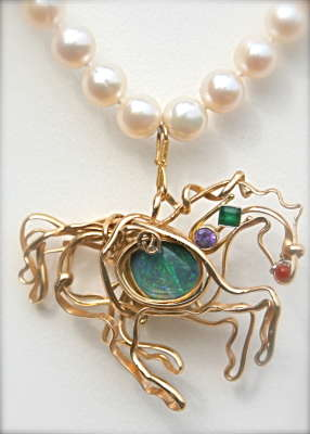 Horse pendant with gemstones and pearl necklace, $$0.0000